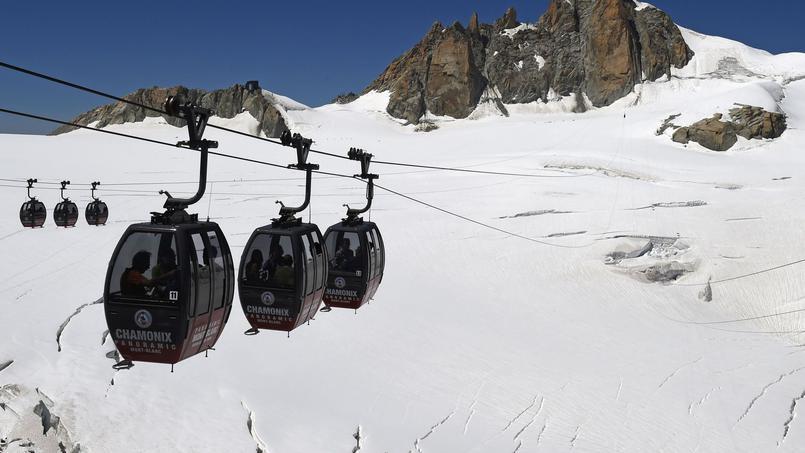 Funivia rimane bloccata a 3mila metri, incubo sul Monte Bianco