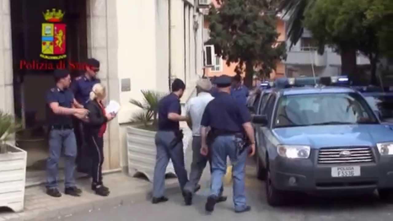 Crotone, irrompono in casa di un uomo e lo picchiano, 7 arresti