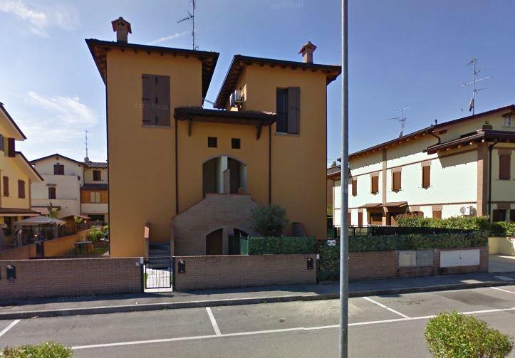 Cento (Ferrara), donna ferita a coltellate da sconosciuto