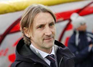 Il tecnico del Crotone calcio Davide Nicola