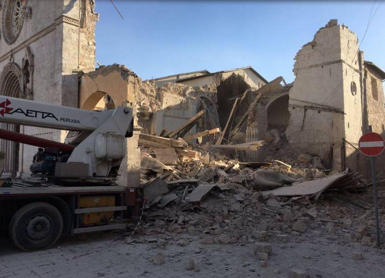 """Terremoto, nuove scosse nel centro Italia. Curcio: """"Al momento 10 feriti"""""""