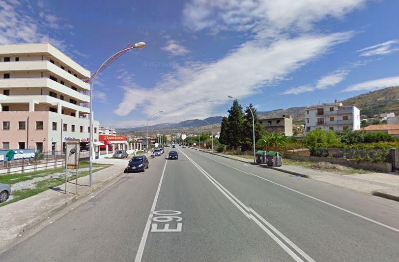 Ciclista muore travolto da auto sulla SS106