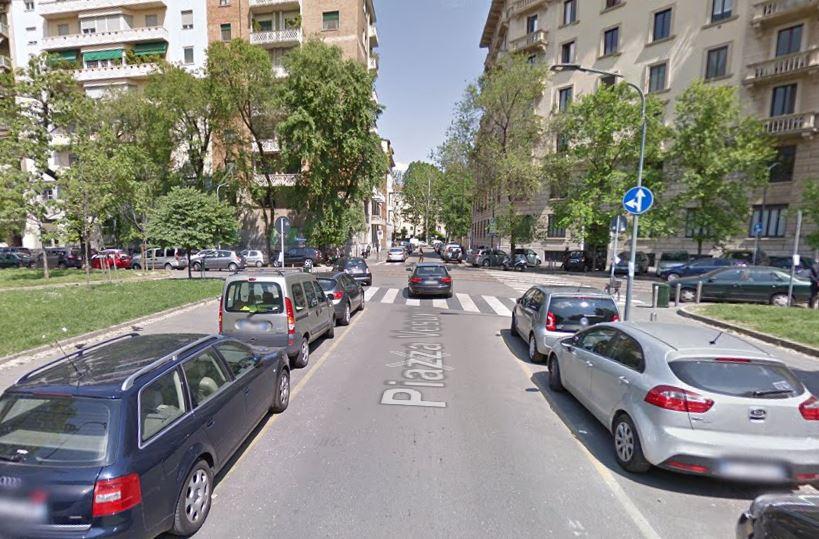 Morde l'orecchio a un anziano per rapinarlo 35enne arrestato a Milano