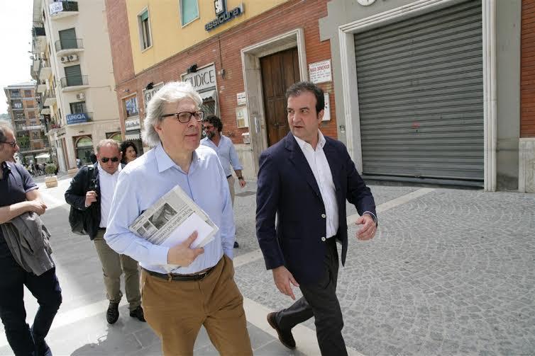 Sgarbi e Occhiuto su corso Mazzini a Cosenza