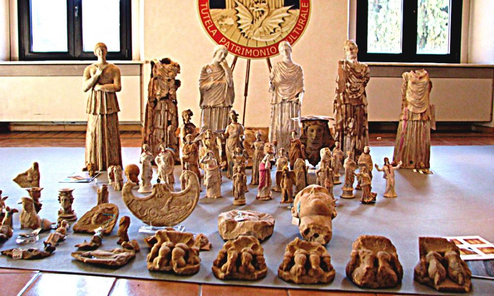 Reperti trafugati in Messico scoperti da CC Cosenza e Ancona