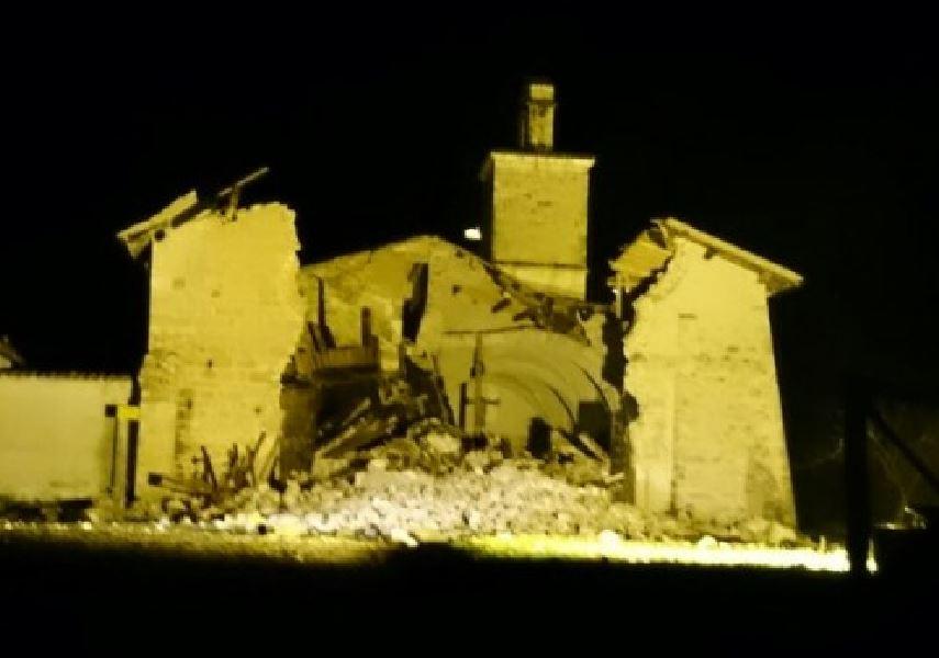 """Terremoto in Valnerina. Sindaco: """"Ussina è finita"""". Crolli dappertutto"""