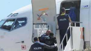 "I cinque macedoni ""filo Isis"" espulsi dall'Italia, ma liberati a Skopje"