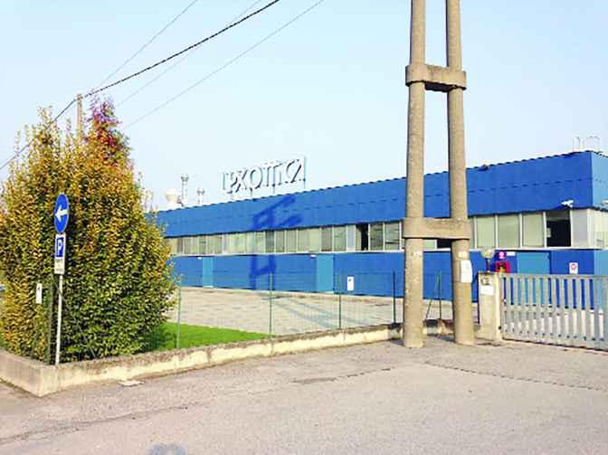 La fabbrica Luxottica di Lariano dove sono avvenuti i furti