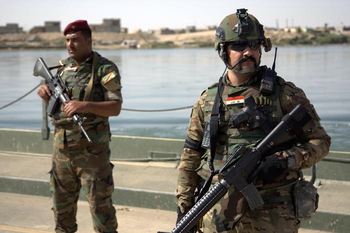 Iraq, violenti scontri per cacciare l'Isis da Mosul