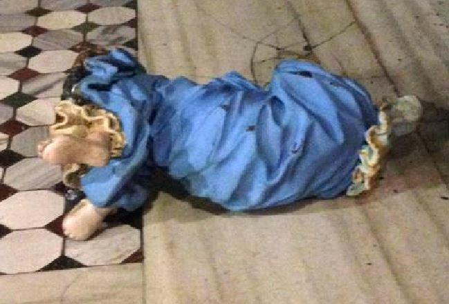 Roma, africano decapita le statue della Basilica di Santa Prassede: arrestato