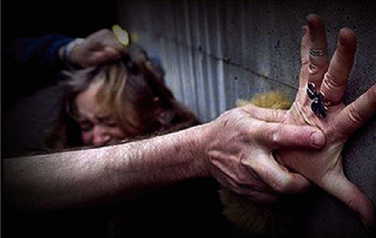 Orrore a Roma, donna sequestrata, picchiata e struprata in gruppo
