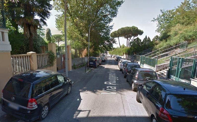 Roma, non paga il parcheggiatore abusivo e viene accoltellato