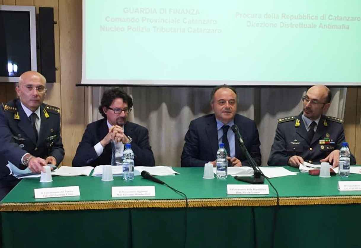 La conferenza stampa della Dda di Catanzaro dopo il feromo del presunto terrorista