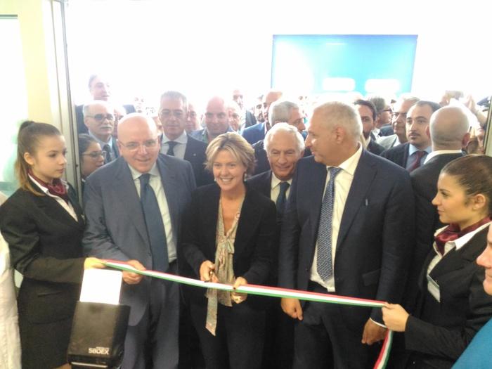 Un momento dell'inaugurazione di cardiochirurgia ai Riuniti di Reggio Calabria