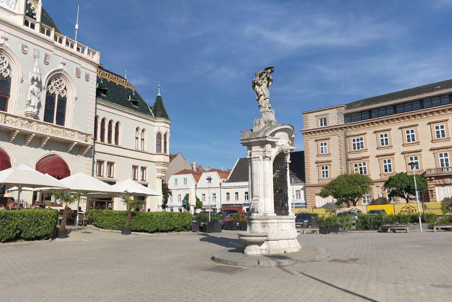 Il centro di Korneuburg, cittadina dove la polizia austriaca ha arrestato il latitante