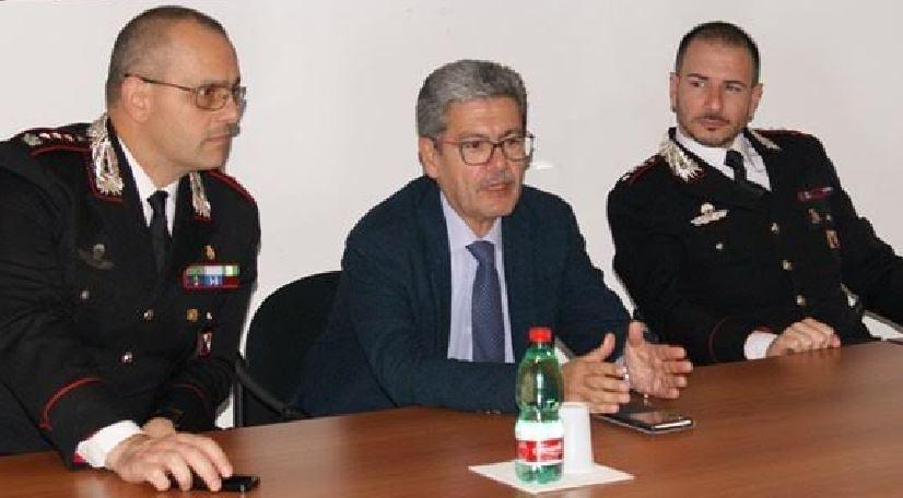 Da sinistra il colonnello Ottaviani, il procuratore Spagnuolo e il capitano Maieli