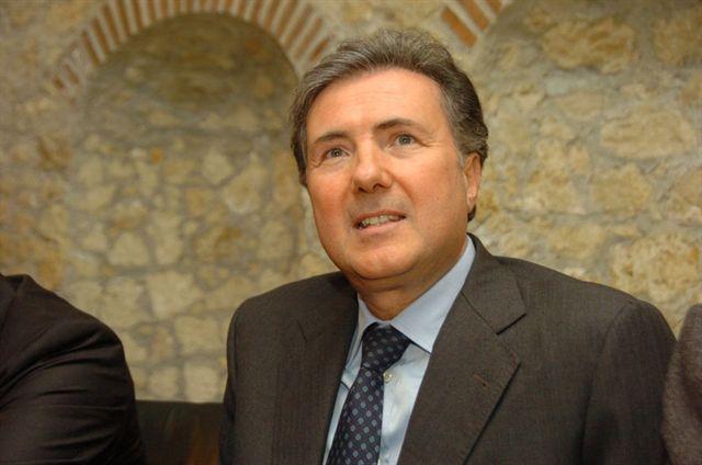 Il senatore Pietro Aiello (Alleanza popolare)