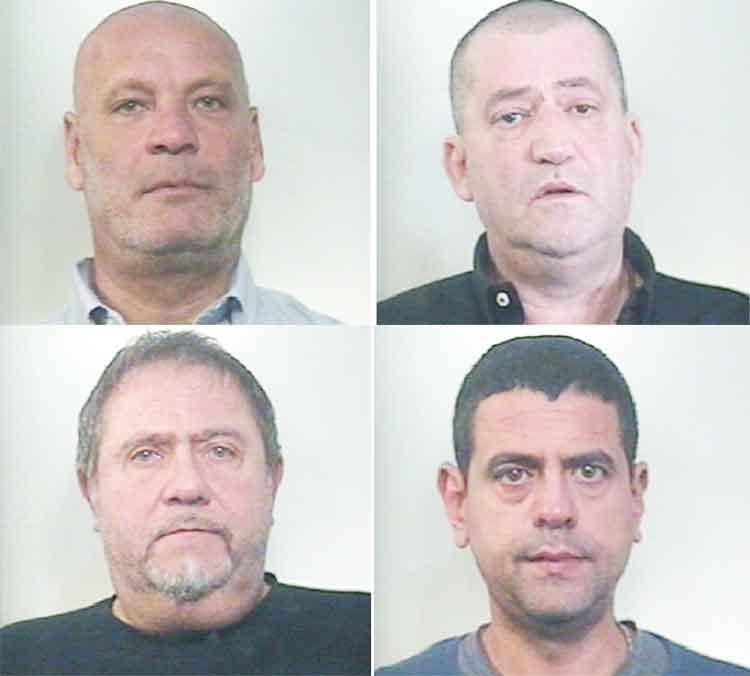 I 4 arrestati dai militari di Macerata Campania