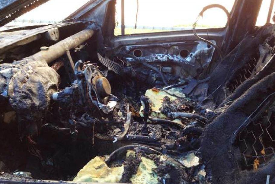 Auto in fiamme nel Cuneese, accanto un corpo carbonizzato