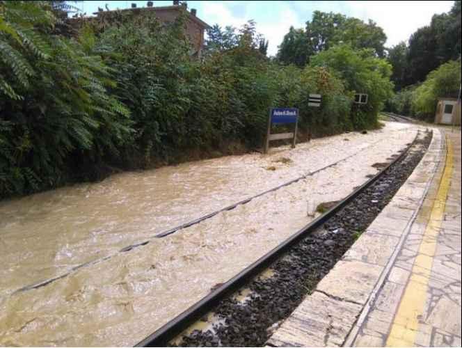 maltempo ferrovia allagata