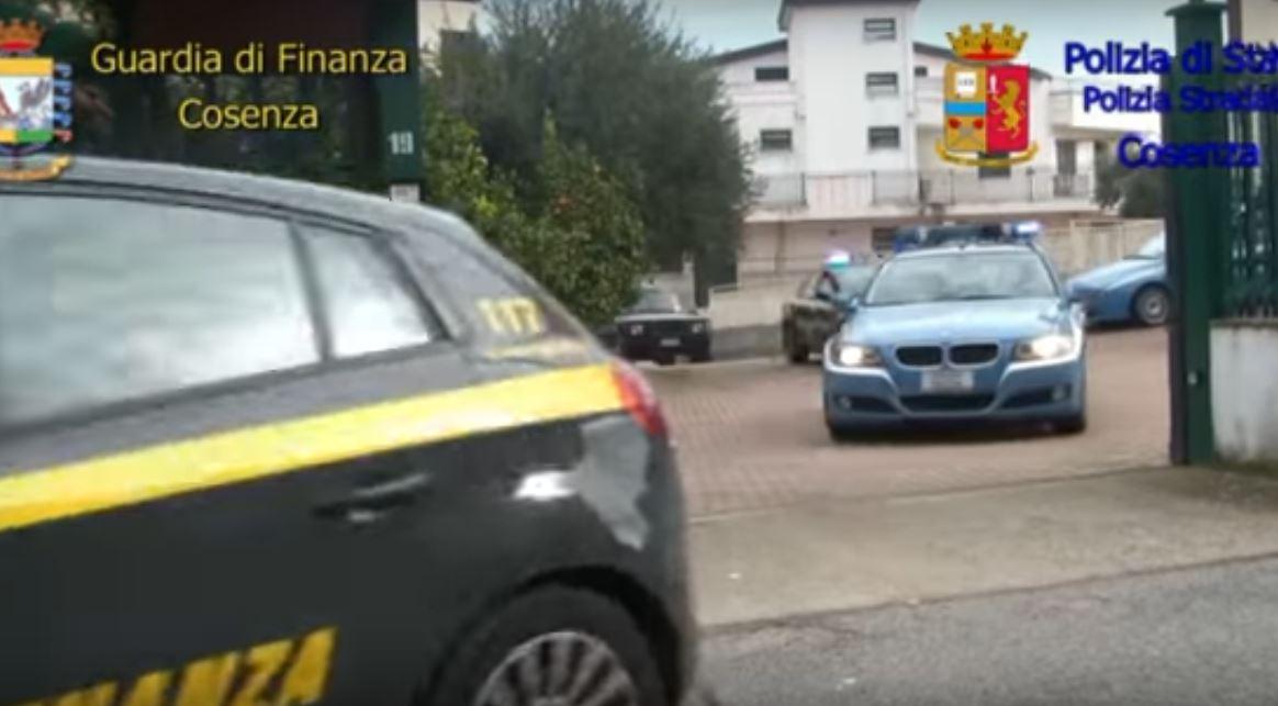 Un frame del video dei finanzieri di Cosenza