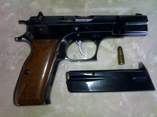 pistola 7.65