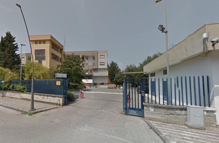 La caserma dei Carabinieri di Battipaglia dove è avvenuto il dramma