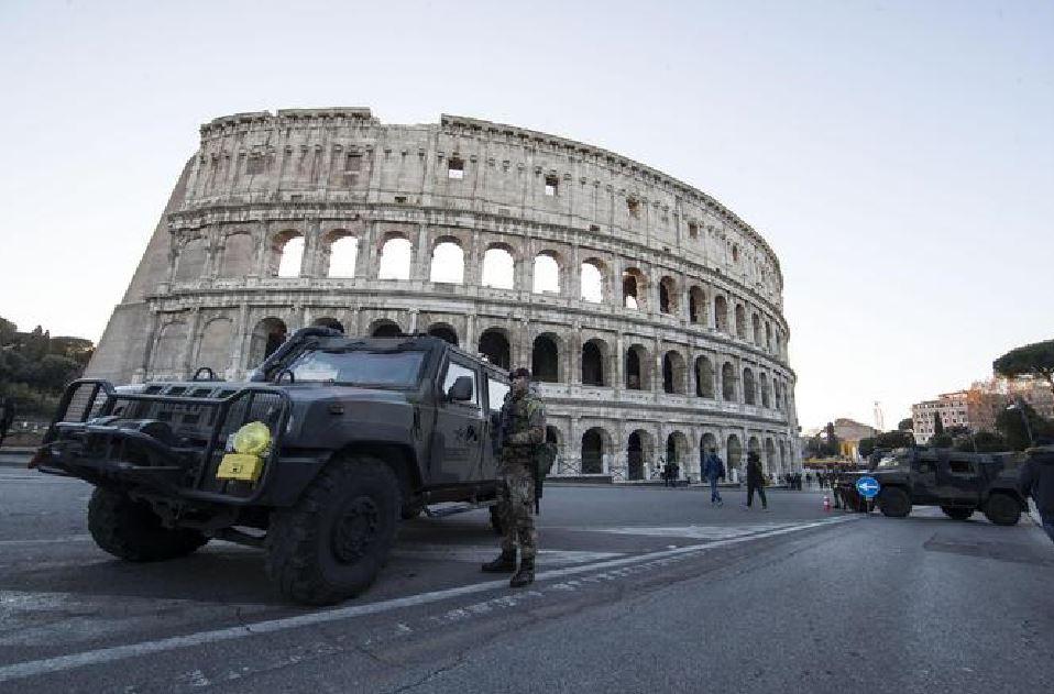 Il Colosseo presidiato dalle forze di sicurezza