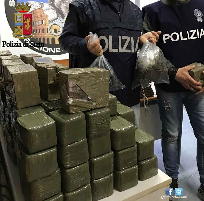 Cocaina, la centrale dello spaccio nella macelleria islamica: 12 arresti