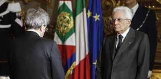 Il presidente del Consiglio Paolo Gentiloni giura davanti al presidente della Repubblica Sergio Mattarela