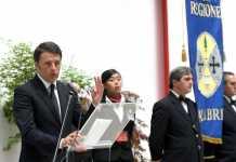 Matteo Renzi in una visita in Calabria