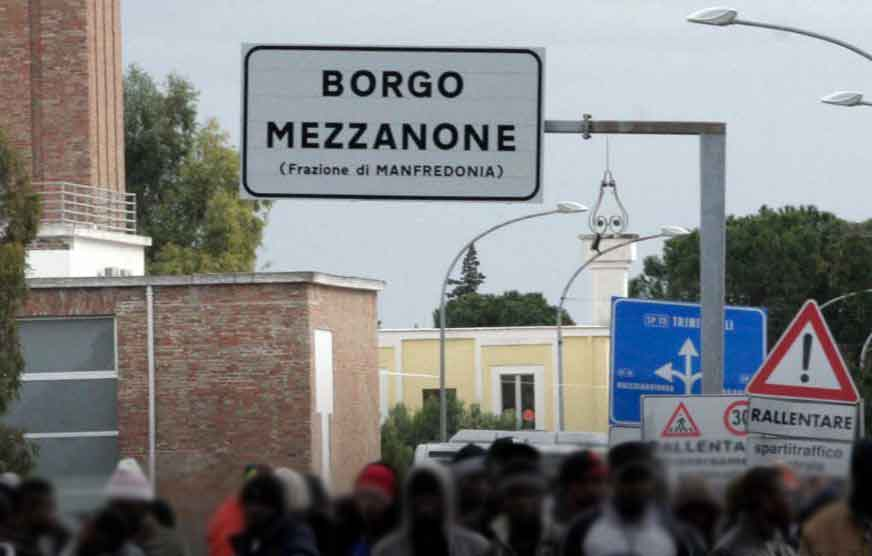 Migranti Cara Borgo Mezzanone Foggia