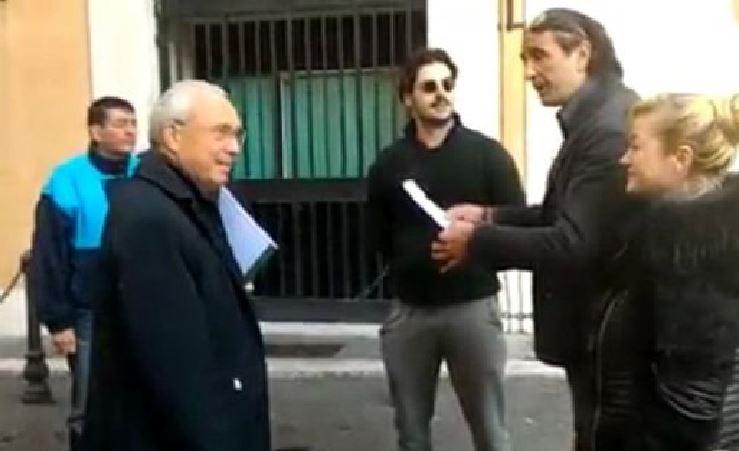 Osvaldo Napoli prima dell'aggessione a Montecitorio