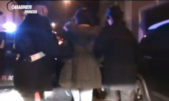 Frame del video dei carabinieri di Brindisi