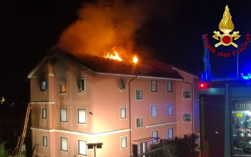 Imperia, divampa incendio in una casa: morte due anziane