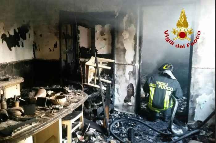 Venezia, incendio in casa: anziani coniugi muoiono carbonizzati