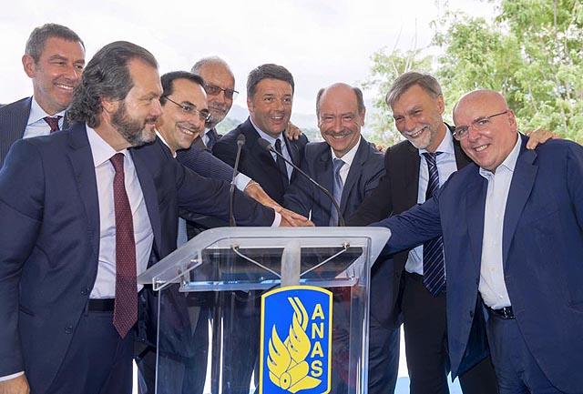 Matteo Renzi all'inagurazione del Viadotto Italia