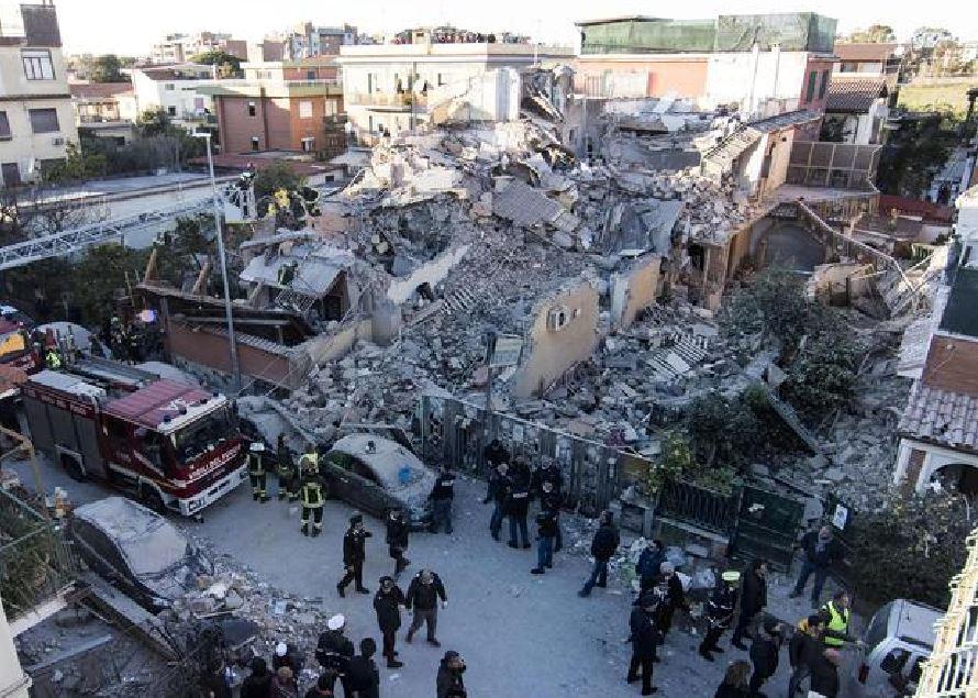 Il palazzo crollato Roma