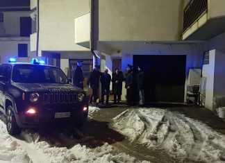 Ascoli Piceno, Carabinieri forestali salvano anziani intrappolati tra la neve