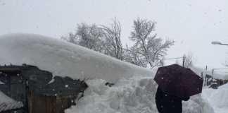 Case sotto la neve a Marruci frazione di Pizzoli, 18 gennaio 2017