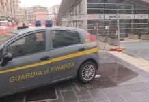 La Guardia di Finanza a Piazza Bilotti a Cosenza