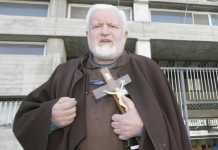 """Padre Fedele: """"Sono innocente ma non posso dire messa"""