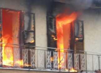 Incendio in una casa di Fabrizia (Vibo), famiglia in salvo