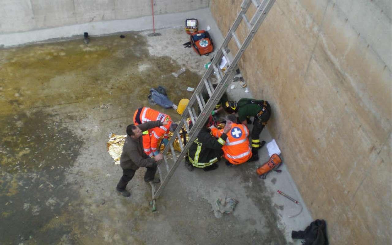 Treviso, cade in una vasca di cemento e muore nella sua azienda