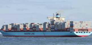 Portacontainer sugli scogli di Scilla, disincagliata da rimorchiatori