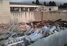 Cimitero di Reggio usato per deposito di rifiuti, sequestrata area