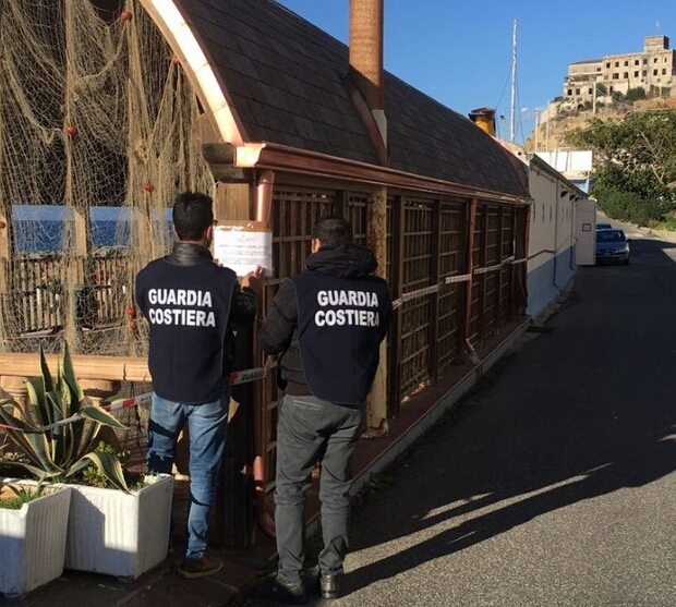 Guardia costiera sigilli locale