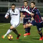Higuain in Crotone Juventus