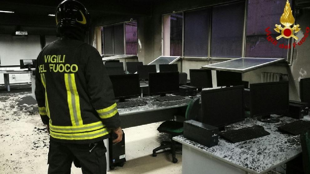 Incendio aula scuola Roccella