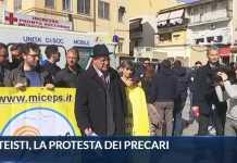 """Furbetti Loreto Mare, Sit-in precari: """"Licenziateli e fate entrare noi"""""""